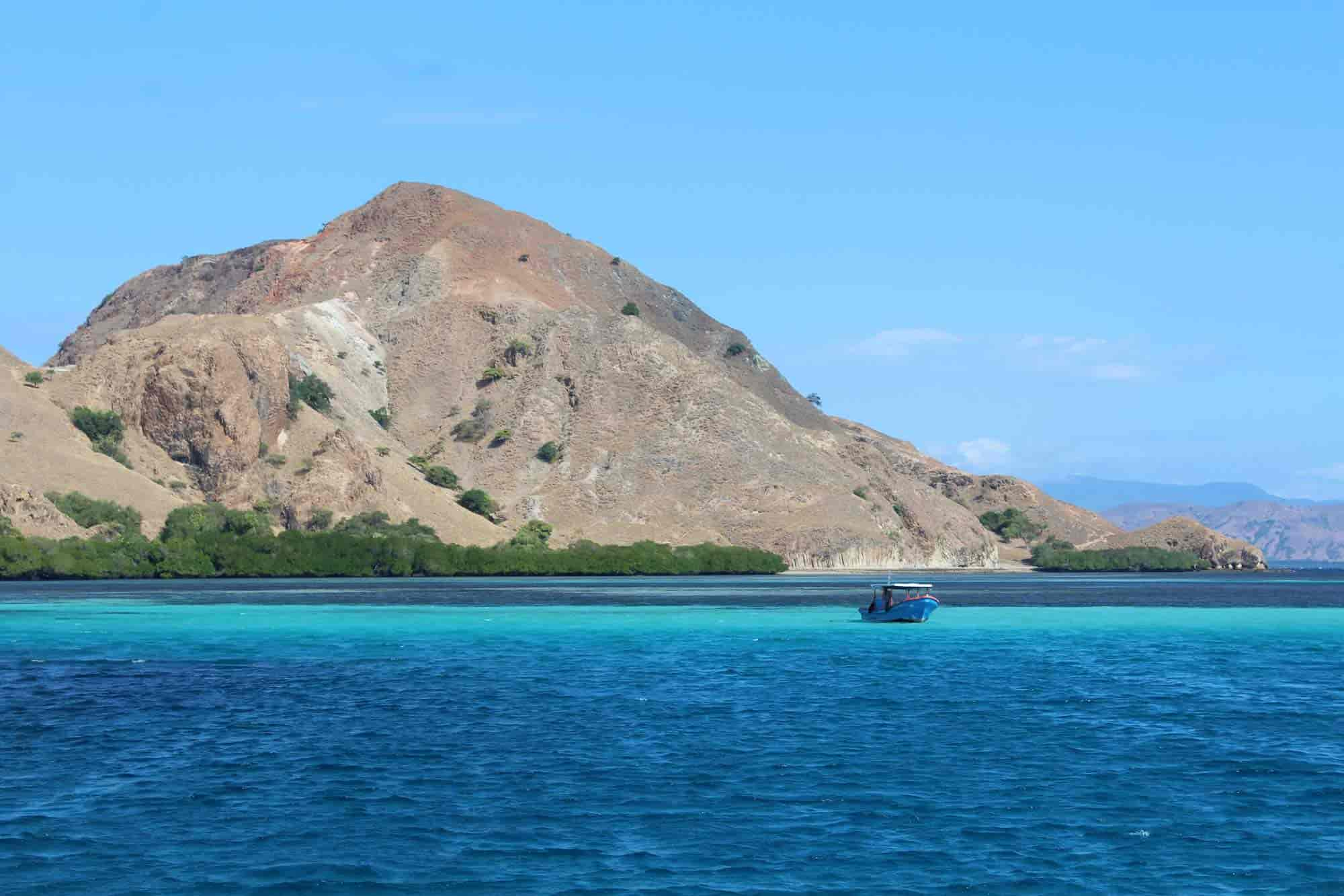 Explorando La Isla De Flores En Indonesia Dragones Tribus Y Buceo
